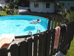 Unser Pool fasst 25.000 LiterWasser und hat manchmal  25 Grad